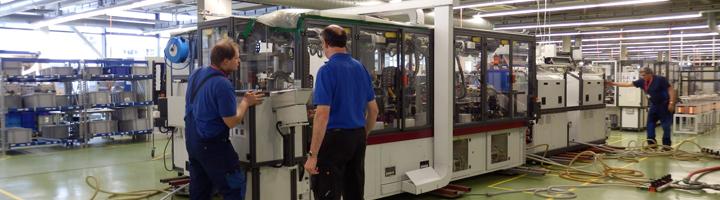Fertigungslinie verschieben - Erfahrung dank dem verschieben von Textilmaschinen