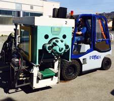 Maschinentransport Spritzgussmaschine mit Stapler