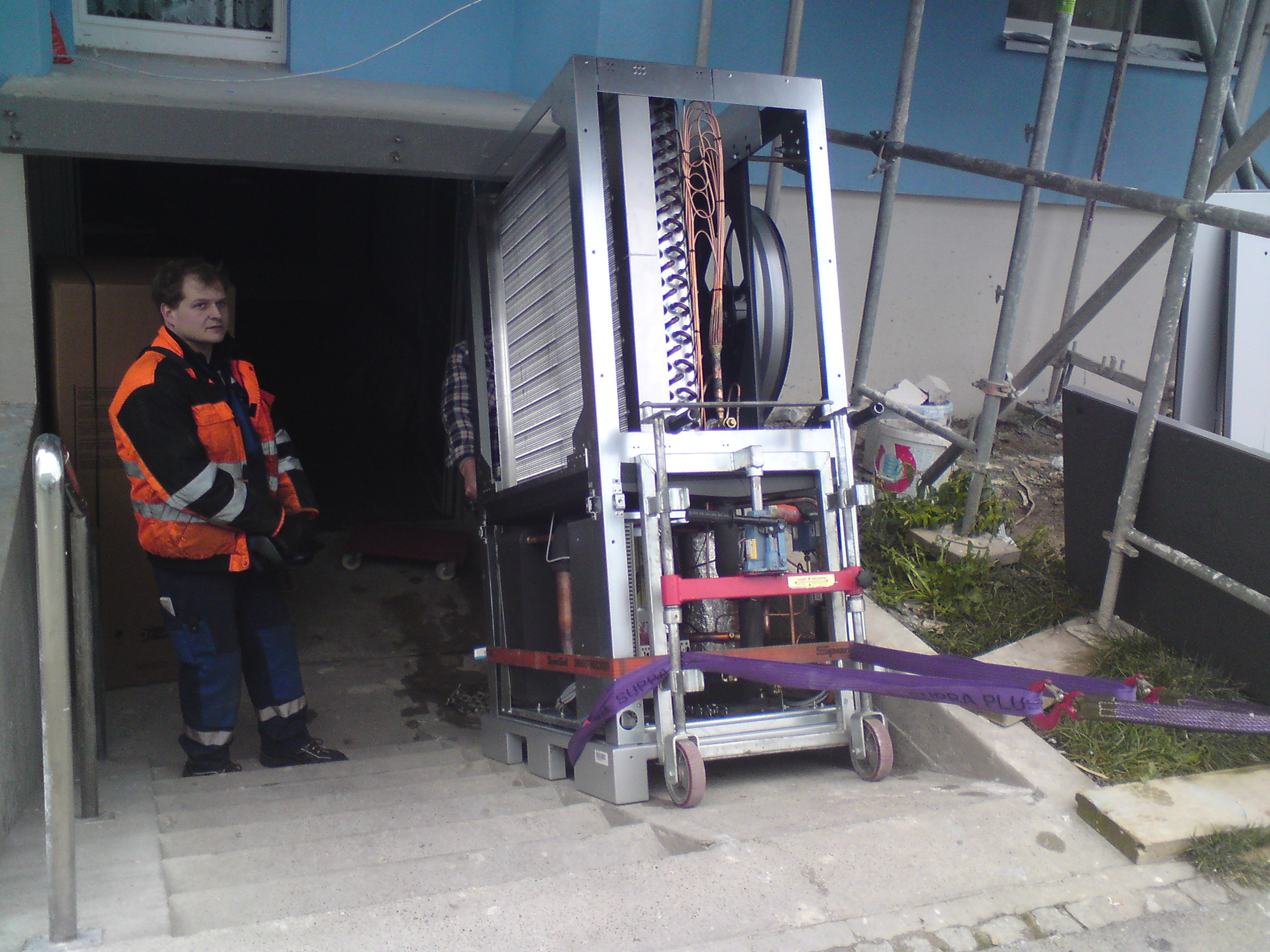 wärmepumpe-mit-Bimobil-in-Keller