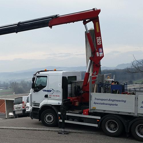 Kran LKW zum einfachen Transportieren und Ablanden von Maschinen